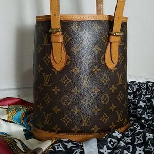 Louis Vuitton Petit bucket bag Excellent Condition